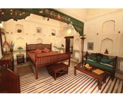 Enjoy local cuisines and handcrafted goods at Mandawa Haveli